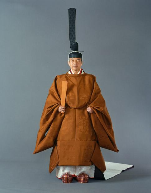 Emperor_Akihito_199011_1.jpg