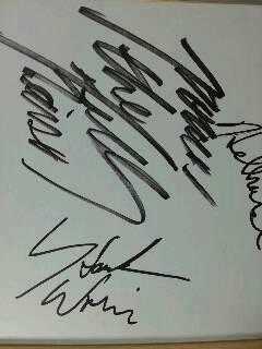 imgpower_howk_autograph.jpg