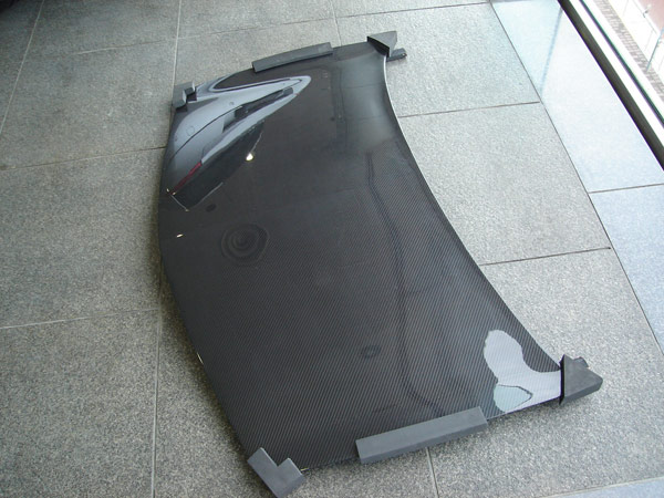 K-TEC Racing製メガーヌII用カーボンボンネット