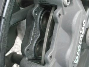 BMW F800S キャリパー清掃