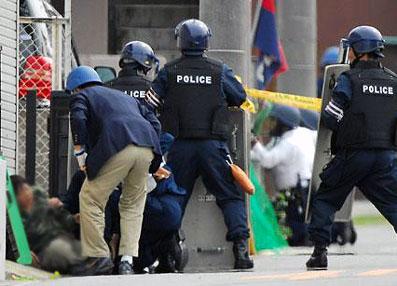 愛知県長久手町で発生した拳銃立てこもり事件。