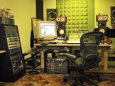 レコーディングスタジオにて〜コントロールルーム