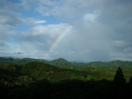 大津山に虹