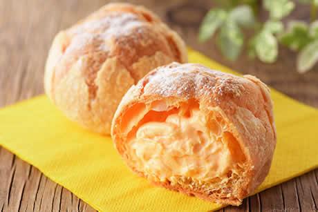 『蔵王のたまごシュー サクッとパイ包み』写真