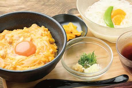 芽ぶき卵の親子丼そーめんセット』商品イメージ写真