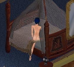 寝るときは裸の骸