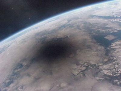 日食の地球