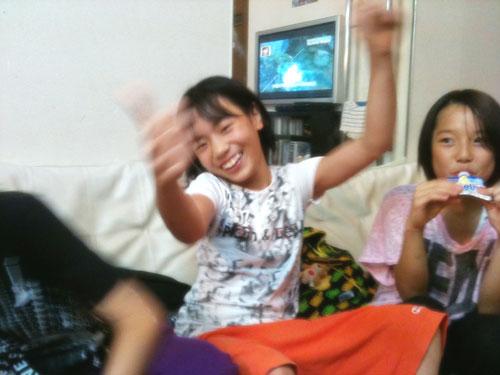 女子小学生腕相撲