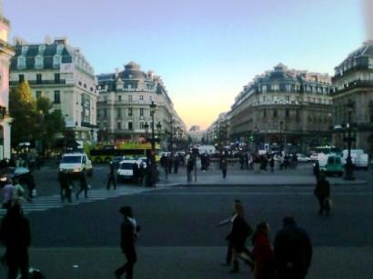 パリのオペラ座の通り