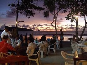 サバイビーチレストランにて