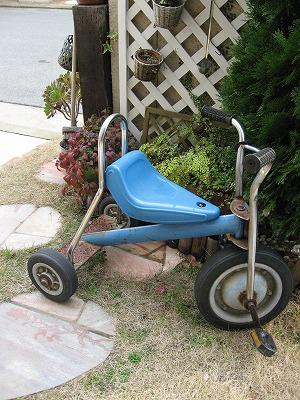 アンティークの三輪車