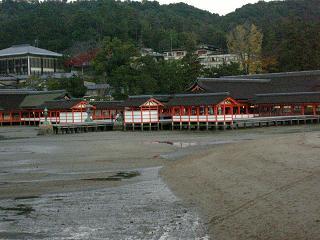 厳島神社の夕方