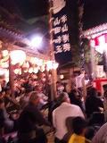 お祭りの夜 大勢の人で賑わいました