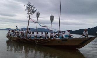 江波の曳き船