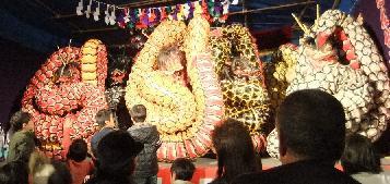 大蛇パフォーマンス