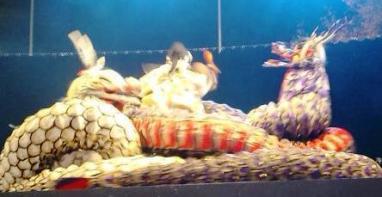 大蛇にからまれました