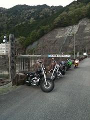 岩屋ダムと単車