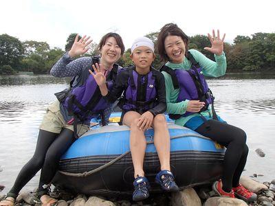 3人で仲良く川遊びしてきました