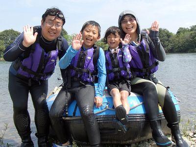 家族皆で楽しめた川遊び