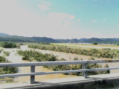総社大橋から高梁川を望む