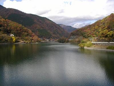 丹沢湖から北のほうを望む