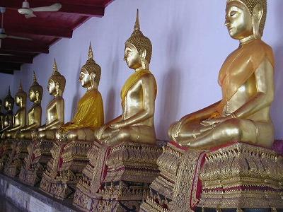 ワット・マハタート内の仏像?