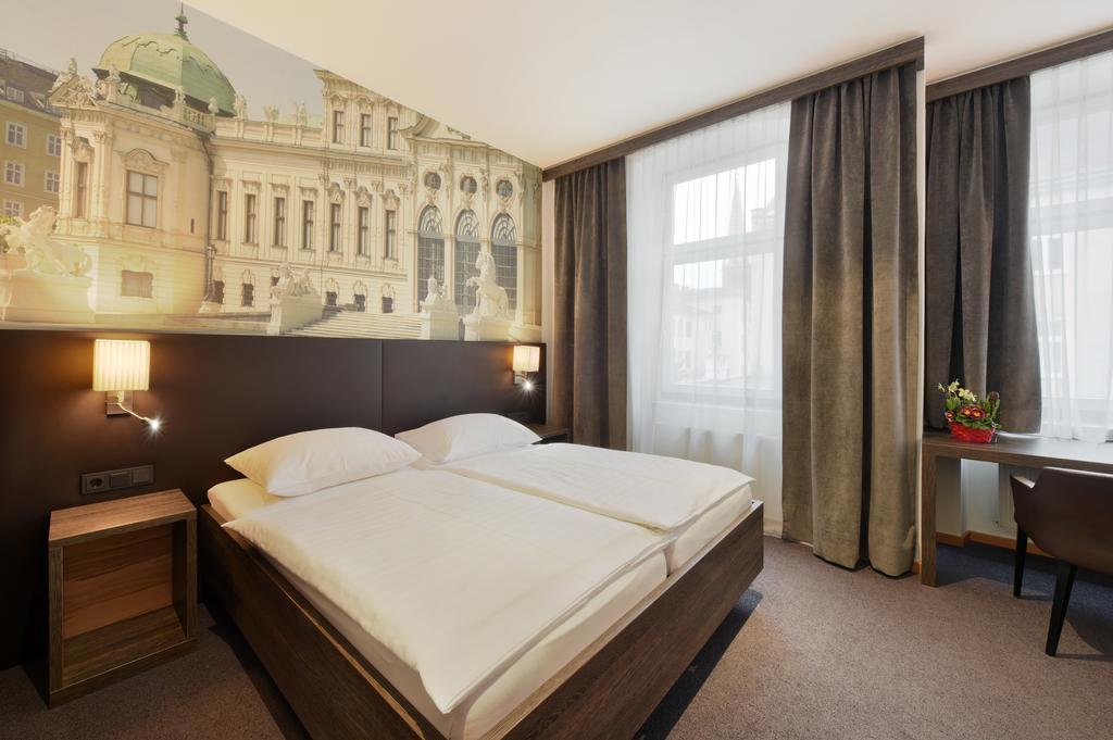ウィーンお手頃ホテル  Hotel Lucia(ホテル・ルチア)Booking (1).jpg