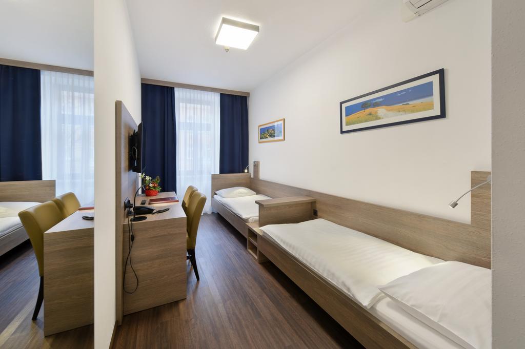ウィーンお手頃ホテル  Hotel Lucia(ホテル・ルチア)Booking (4).jpg