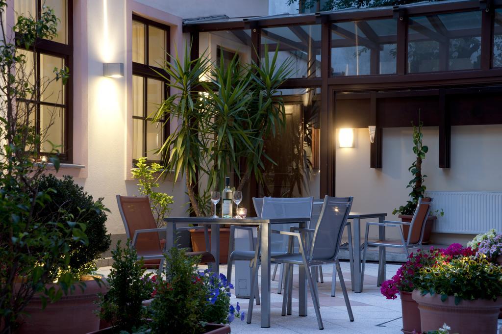 ウィーンお手頃ホテル  Hotel Lucia(ホテル・ルチア)Booking (7).jpg