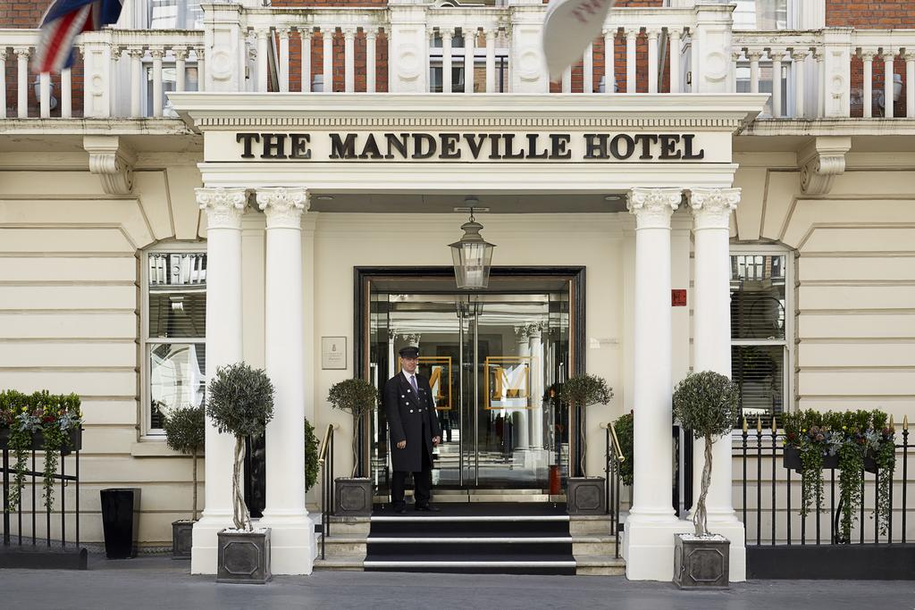 ザ マンデヴィル ホテル(The Mandeville Hotel)Booking (1).jpg