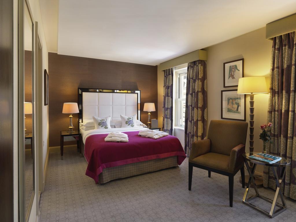 ザ マンデヴィル ホテル(The Mandeville Hotel)Booking (5).jpg