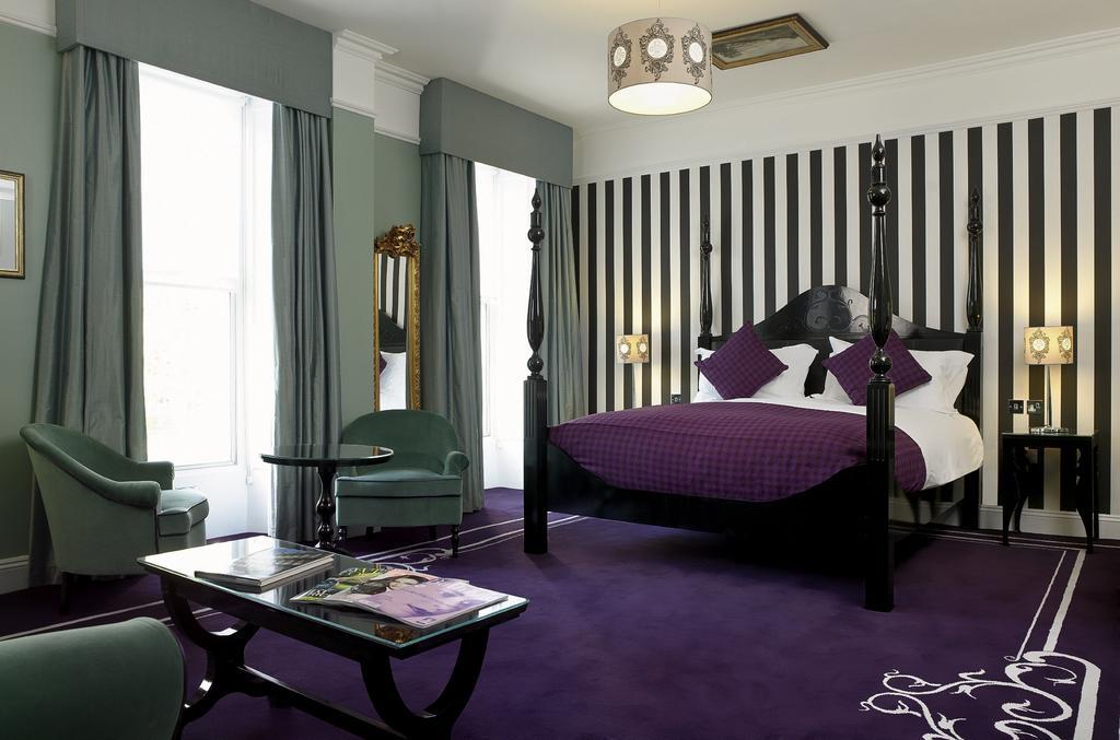 Francis Hotel Bath Booking (2).jpg