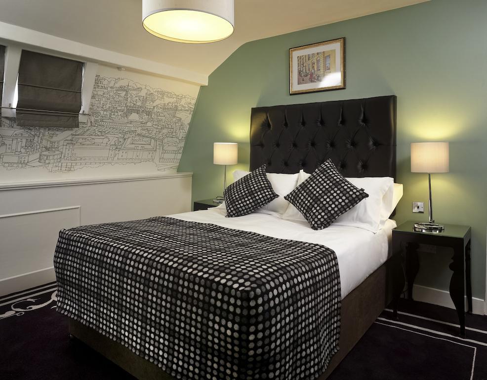 Francis Hotel Bath Booking (5).jpg