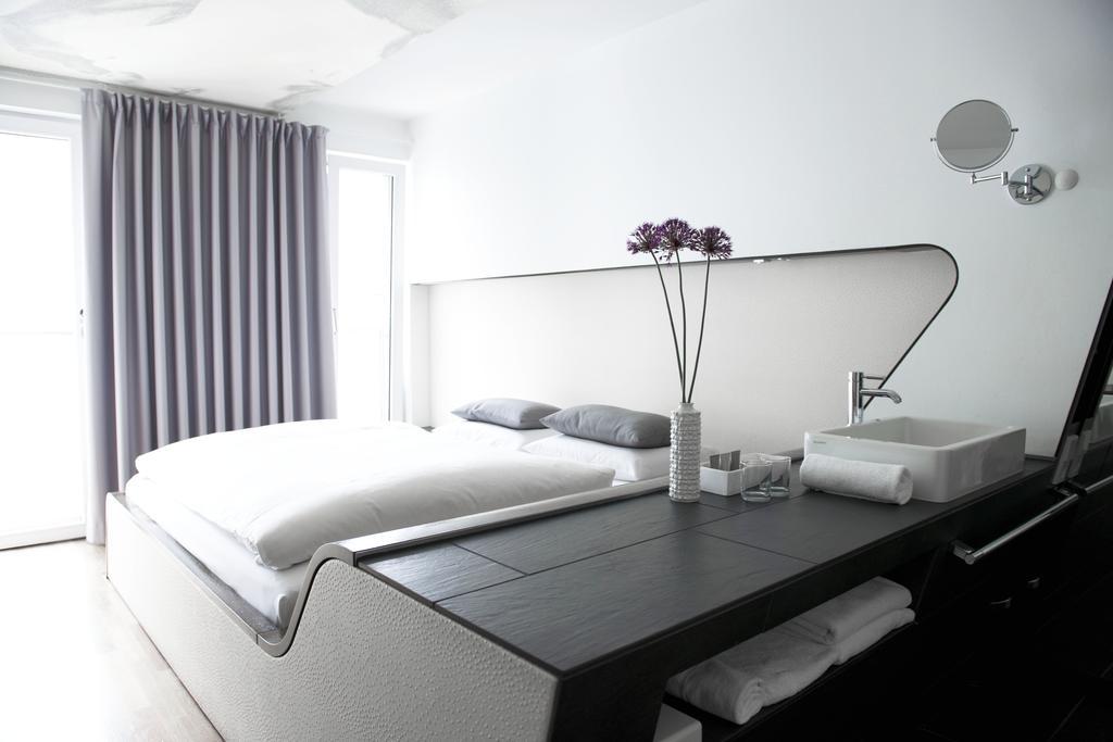 ホテル Q! ベルリン Booking (1).jpg