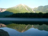 2008/08/10 上高地 朝靄の大正池(逆さ焼岳v)