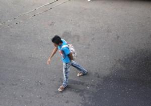 日本でも見かけそうな出で立ちの若い男性。腕には小さなイレズミ。髪型から何から以前では考えられなかった事だそう(6−3談)