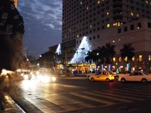 高級ホテルのある交差点。