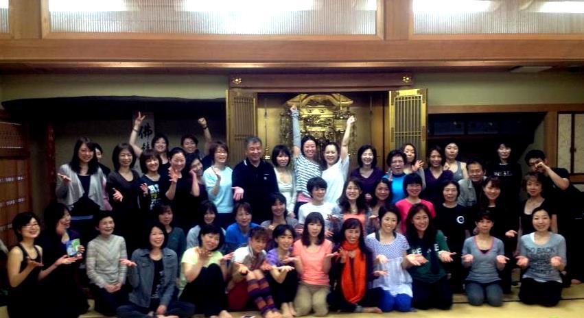 yogapeace2013_tomiekanai