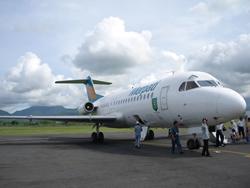 ロンボク島−バリ島の飛行機