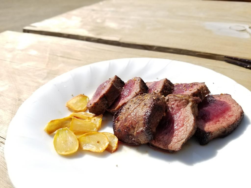 シカ肉でステーキ