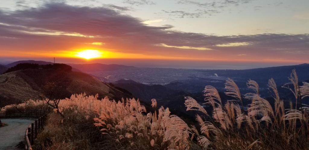 大野山で初日の出