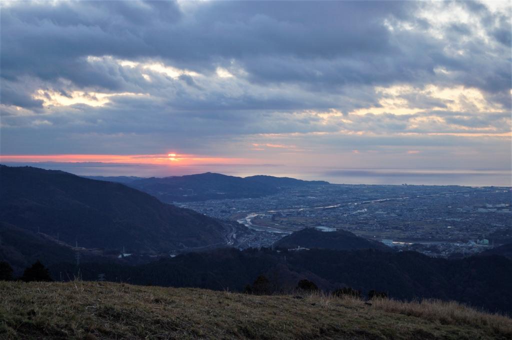 山北町の大野山で初日の出