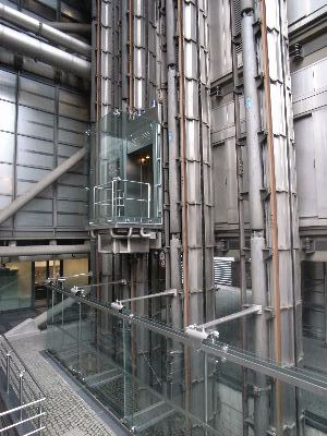 Lloyds_of_London02