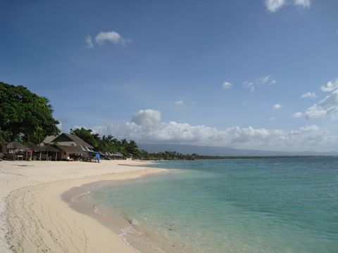 White beach in Moalboal
