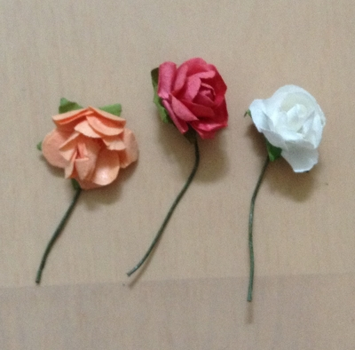 100均 ダイソー UVレジン 貼るピアス 薔薇