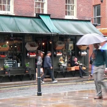 ロンドン雨降り
