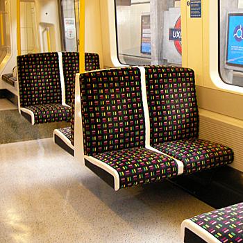 ロンドン地下鉄の座席