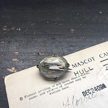 アンティークカットガラスのブローチ