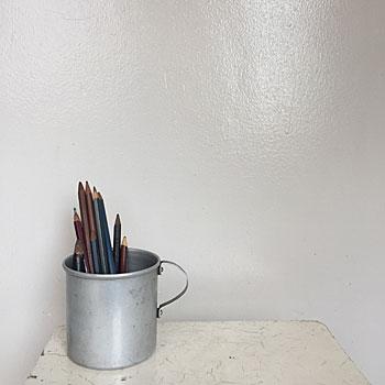 アルミのマグカップ アンティークのアルミ