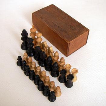アンティークチェス antique chess  古いチェスの駒